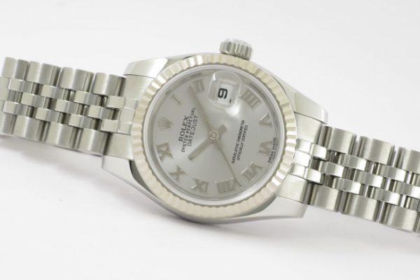 使い勝手がよい腕時計です Ref.179174