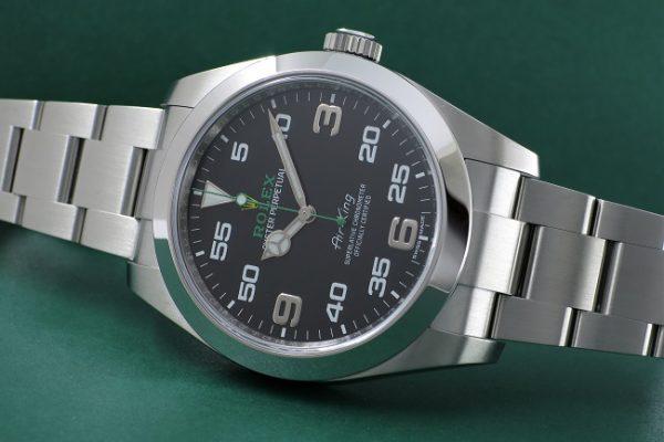 特徴的なミリタリーデザイン Ref.116900