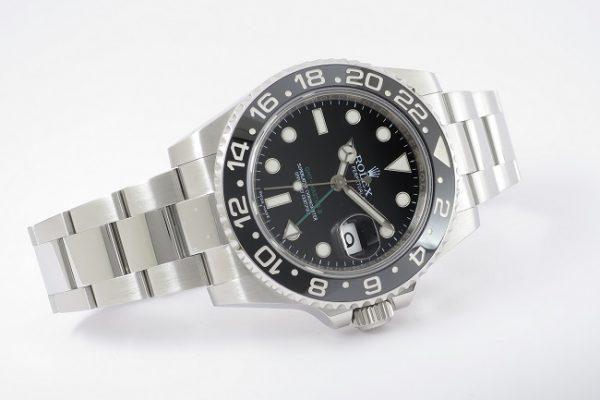 使い勝手の良いブラック Ref.116710LN