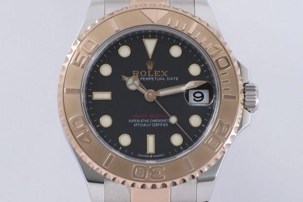 華やかなピンク色の時計 Ref.268621