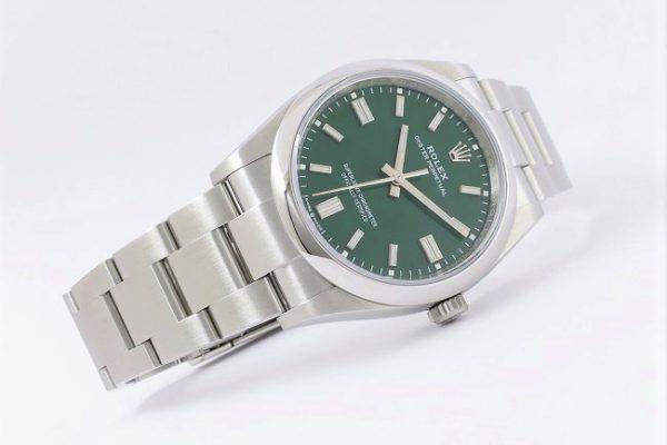 トレンディなグリーンカラー Ref.126000