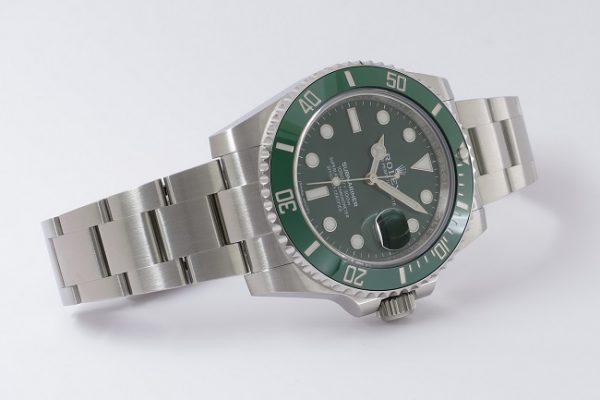 グリーンで統一された美しいサブ Ref.116610LV
